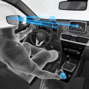 کنترل و هدایت خودرو با تخمین مکان نگاه چشم
